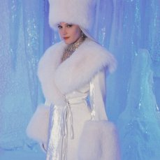 Bridget Fonda è Snow Queen (2002)