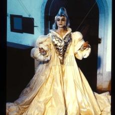 Ángela Molina è la Strega Bianca in Fantaghirò (1991)