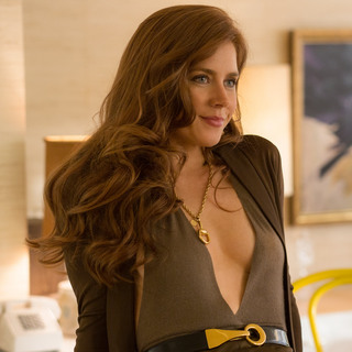 Amy-Adams-American-Hustle-Stills_2