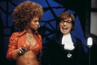 austin_powers_dans_goldmember_austin_powers_in_goldmember_2001_portrait_w858