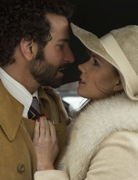 elle-reviews-american-hustle_GB