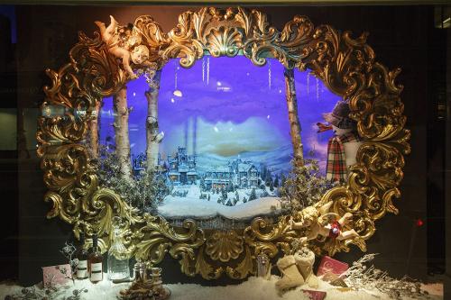 Fortnum-Mason-Christmas-Window-Display-Yasemin-Richie-500x333