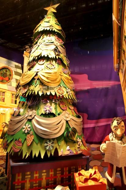Macys-Christmas-Windows-2013-18a-413x620