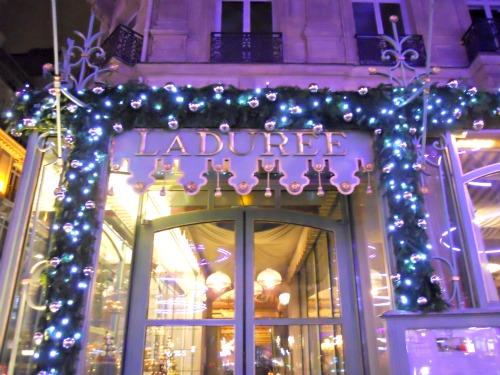 Paris-Perfect-Christmas-Market-Champs-Elysees-Laduree-