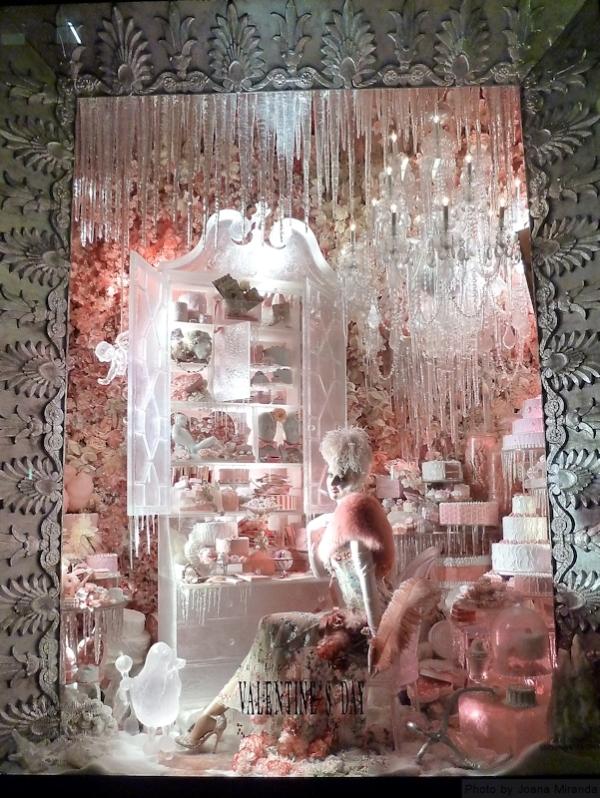 pink-window-at-2013-bergdorf-goodmans-xmas-window-display