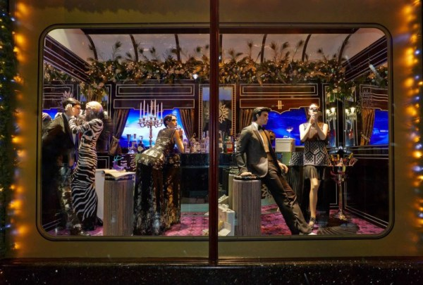 the-harrods-express-christmas-2013-at-londons-harrods-6