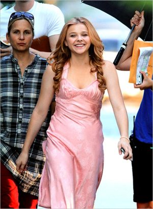 Exclusive - Chloe Moretz on 'Carrie' Set