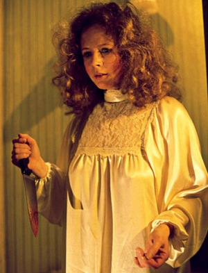 Piper-Laurie-in-Carrie