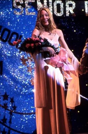 sissy-spacek-as-carrie-winning-prom-queen