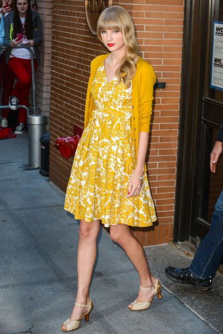 01-Taylor-Swift-Dress-Cardigan-main