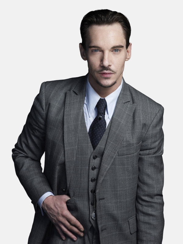 Jonathan-Rhys-Meyers-as-Dracula-dracula-nbc-35486337-1499-2000