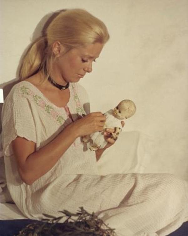 LIZA-1971_portrait_w858