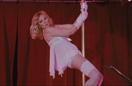 Kim Cattrall, l'affamata di Sex (& The City) è la pornodiva alcolizzata Monica Velour (2010)