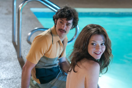 still-of-adam-brody-and-amanda-seyfried-in-lovelace