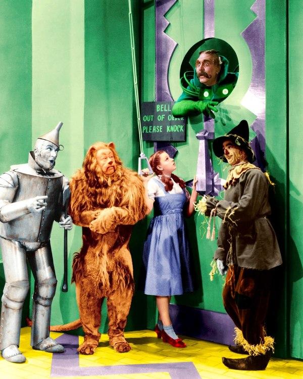 Wizard-of-Oz_-Emerald-City-Entrance