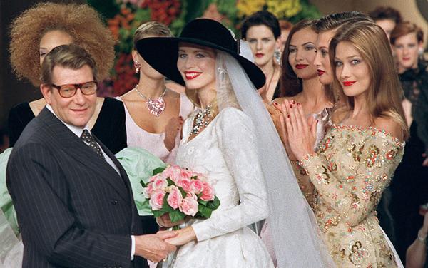 Claudia Schiffer con la futura Première dame, Carlà.