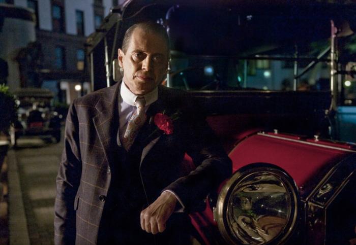 Da Al Capone De Niro al leggendario Scarface Paul Muni: ecco, tutti i gangster retrò al soldo di Nucky…