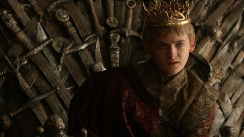 Jack Gleeson è Joffrey Baratheon, Re-bambino che gioca al massacro ne Il Trono di Spade (2011-)