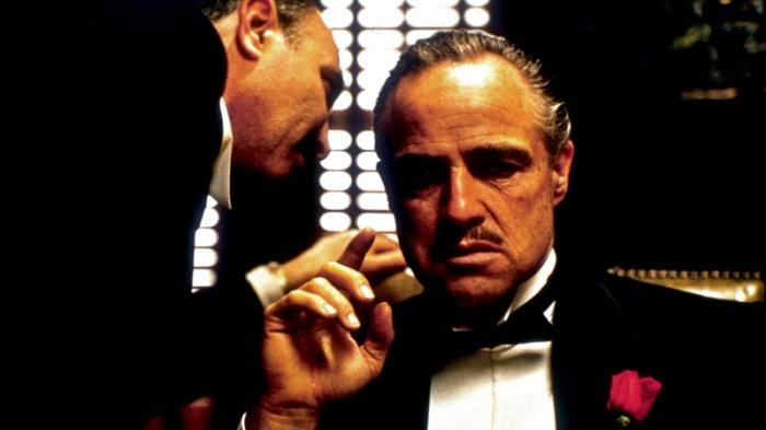 Marlon Brando è il temuto Don Vito Corleone noto come Il Padrino (1972) che ti farà un'offerta che non potrai rifiutare…