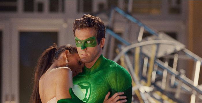 Ryan Reynolds e Blake Lively in love sul set di Lanterna Verde (2011) Mai set fu più galeotto. Quando il marito fustacchione della bomba sexy Scarlett Johansson tradisce la donna più desiderabile del pianeta, scatena un putiferio mediatico.
