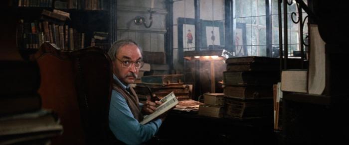 Thomas Hill: Il bibliotecario brontolone che costudisce, gelosamente, La Storia Infinita è scomparso nel 2009 stroncato da un tumore. Aveva 82 anni.