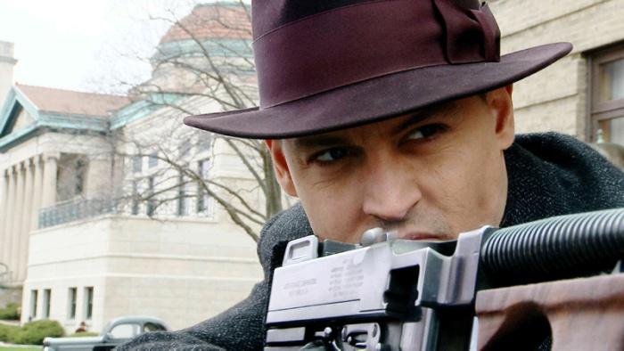 Johnny Depp vanta una taglia a sei zeri come John Dillinger in Public Enemies (2009)
