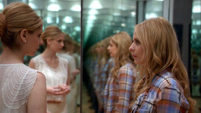 Ringer (2011-2012) Si autoproduce nella serie-flop cancellata dopo una sola stagione, nel doppio-ruolo di una stripper cocainomane testimone di un omicidio che assumerà l'identità della ricca sorella gemella.