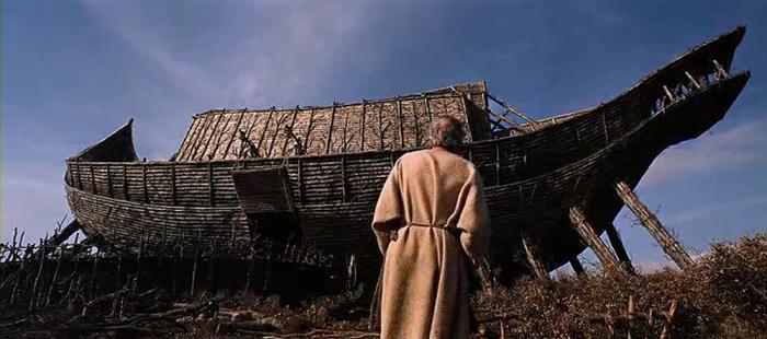 L'arca costruita dal Noè John Huston...