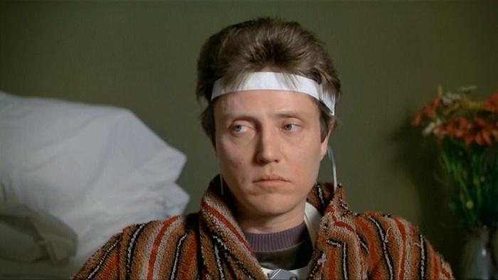 Christopher Walken è Johnny Smith ne La Zona Morta (1983): Il prof. di letteratura che, risvegliatosi dal coma profondo, acquista la premonizione. Sfrutterà il dono medianico per braccare un killer.