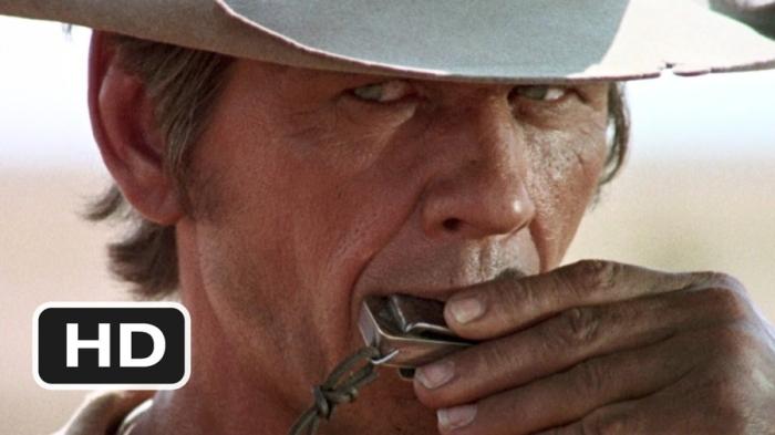 Charles Bronson è Armonica: Il malinconico vendicatore che suona per il fratello ucciso in C'era una volta il West (1968)