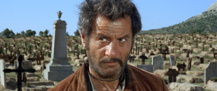 Eli Wallach è Tuco (Il Brutto): L'accigliato fuorilegge mangia-burrito alla ricerca del tesoro nascosto in una tomba ne Il Buono, Il Brutto, il Cattivo.