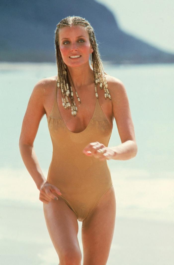 Bo Derek: icona erotica da 10 e lode (1979) che appare come un miraggio sotto al sole cocente.