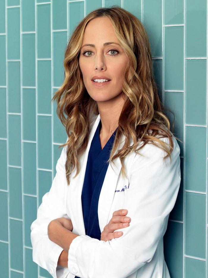 …si era specializzata come chirurgo cardiotoracico, nel camice della Dr.ssa Teddy Altman in Grey's Anatomy.