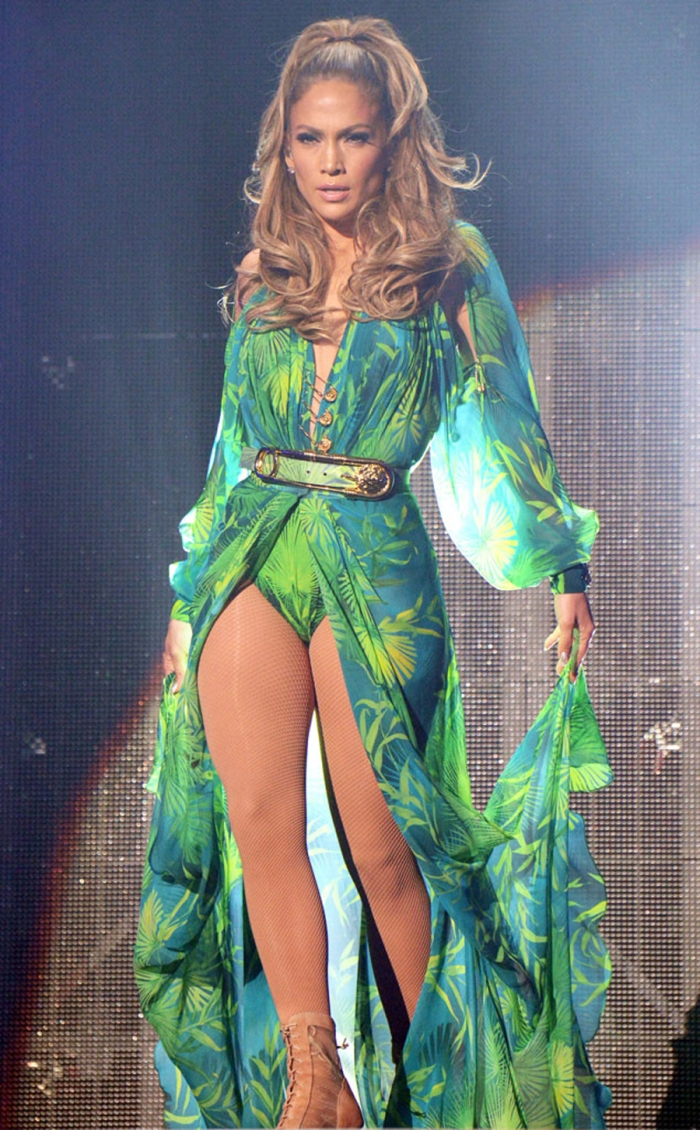 L'iconico Versace tropical ai Grammy Awards 2000