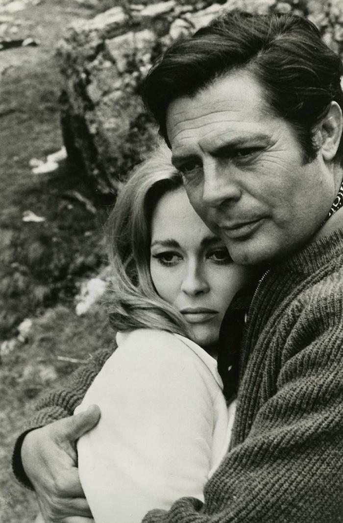 Faye Dunaway e Marcello Mastroianni, conosciuto nel 1968 sul set di Lovers con il quale ha avuto una tormenta relazione.