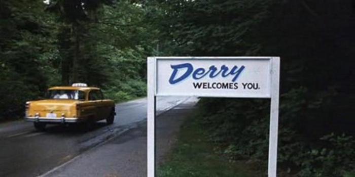 Derry in It (1990) Il villaggio nel Maine dove si aggira il terrificante clown infanticida.