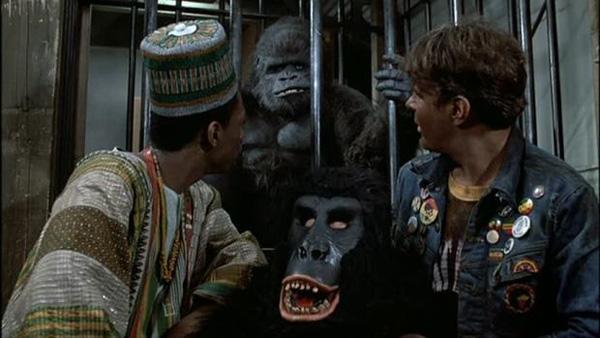 Il gorilla in calore in Una poltrona per due (1983)
