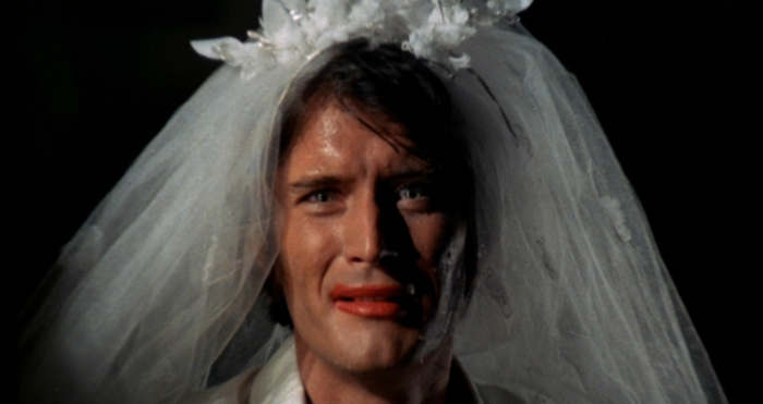 Lo psicopatico seriale che squarta fanciulle in odore di nozze ne Il rosso segno della follia (1970)