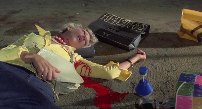 """La sua eredità di """"artigiano romantico"""" ha contagiato registi come Raimi, Landis, Corman (l'uno ha subito l'influenza dell'altro), Burton, Lynch, Tarantino (Cani Arrabbiati che Bava diresse nel 1974 fu l'antesignano del genere pulp)."""