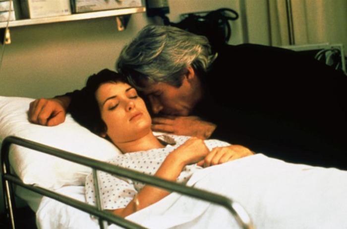Il maturo Richard Gere sedotto dalla giovane Winona Ryder che gli confida che sta morendo a causa di un neuroblastoma cardiaco in Autumn in New York (2000)