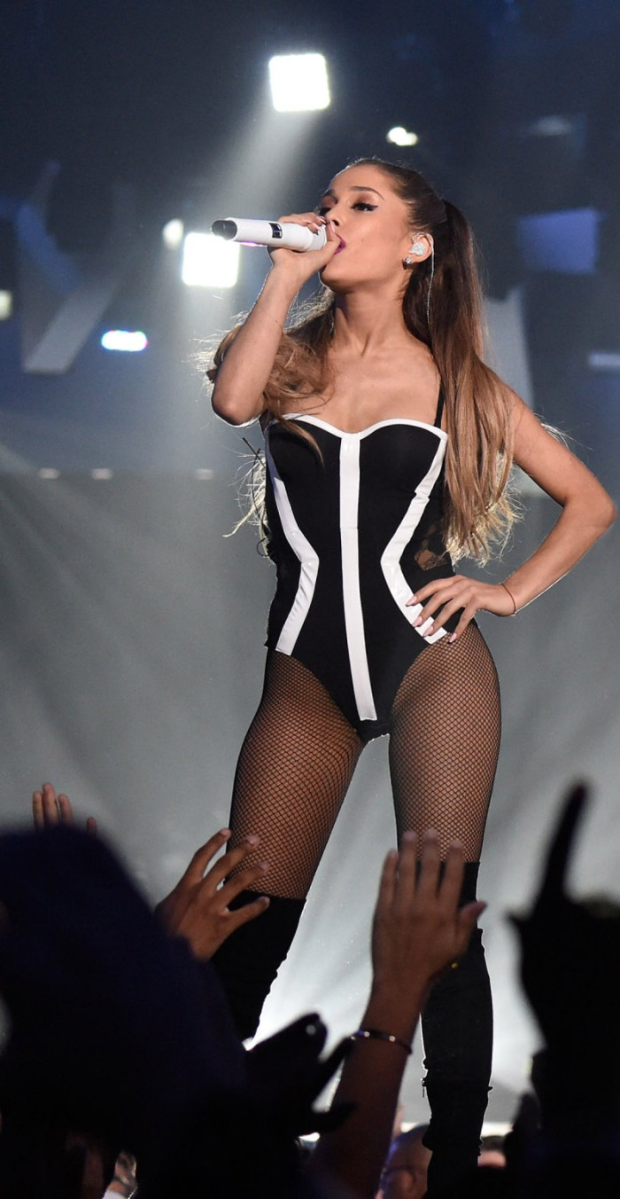 In body-corsetto a optical-stripes