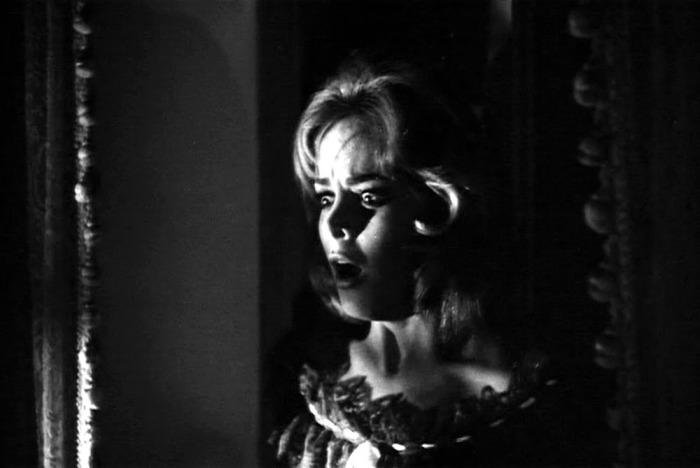 Letícia Román è La Ragazza che sapeva troppo (1963) nel primo giallo all'italiana