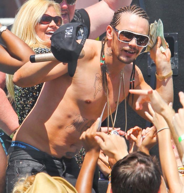 ames Franco rapper spacciatore che infiamma tatuato gli Spring Breakers (2011)