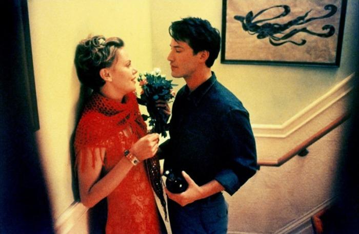 Il cinico pubblicitario Keanu Reeves sopraffatto dal travolgente caratterino della bellissima Charlize Theron, lentamente logorata dal linfoma di Hodgkin in Sweet November (2001)
