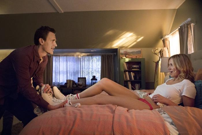 Cameron Diaz finisce in rete nel Sex Tape (da giovedì in sala) girato con il partner Jason Segel che mette in modalità-camera il suo iPad sincronizzando per, sbaglio, il porno casareccio a una serie di tablet di cui si era sbarazzato. Per Cami sarà corsa contro il tempo per recuperare quel filmino scottante. Ecco, le volte che la bionda l'ha fatta grossa…