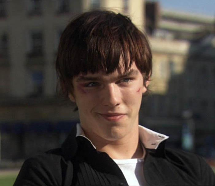 Nicholas Hoult: il liceale Manipolatore che s'iscriverà alla Cardiff University in Skins (2007-08)