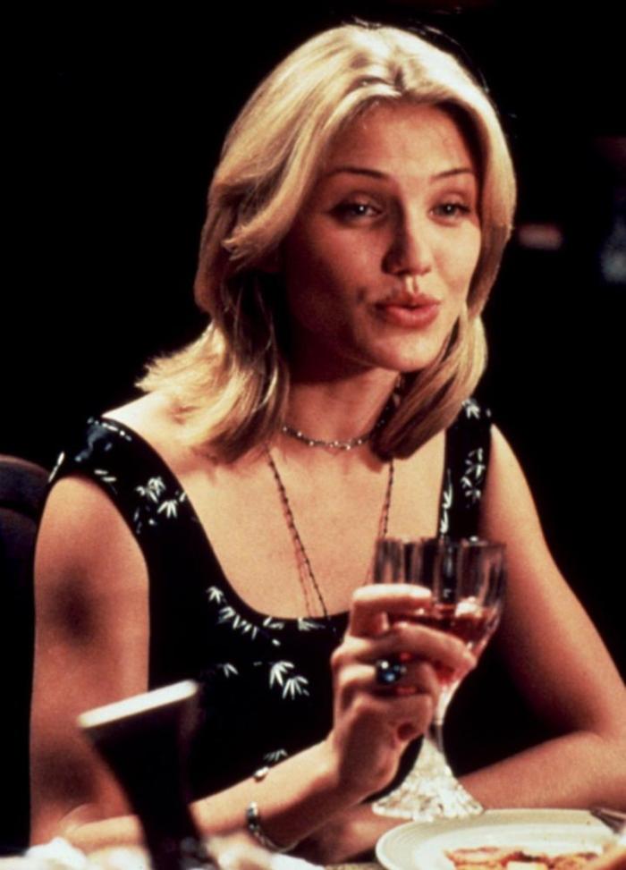 Decima ospiti indesiderati alla tavola imbandita dai coinquilini sentenziosi in Una cena quasi perfetta (1995)
