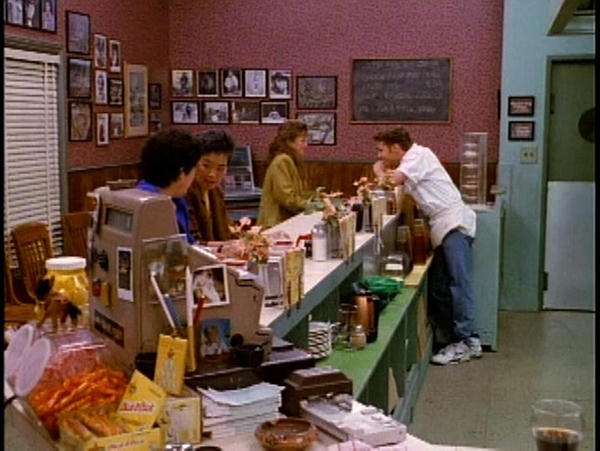 Peach Pit in Beverly Hills 90210