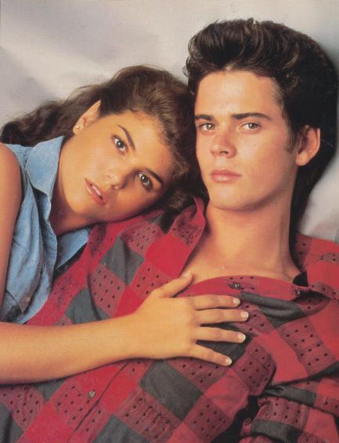 Lori Loughlin e C. Thomas Howell ne L'ammiratore Segreto (1985)