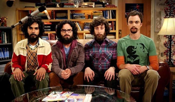 Sheldon e colleghi-brainers brindano agli ascolti al cubo macinati nell'8ª stagione di Big Bang Theory, attualmente, in onda sulla CBS.